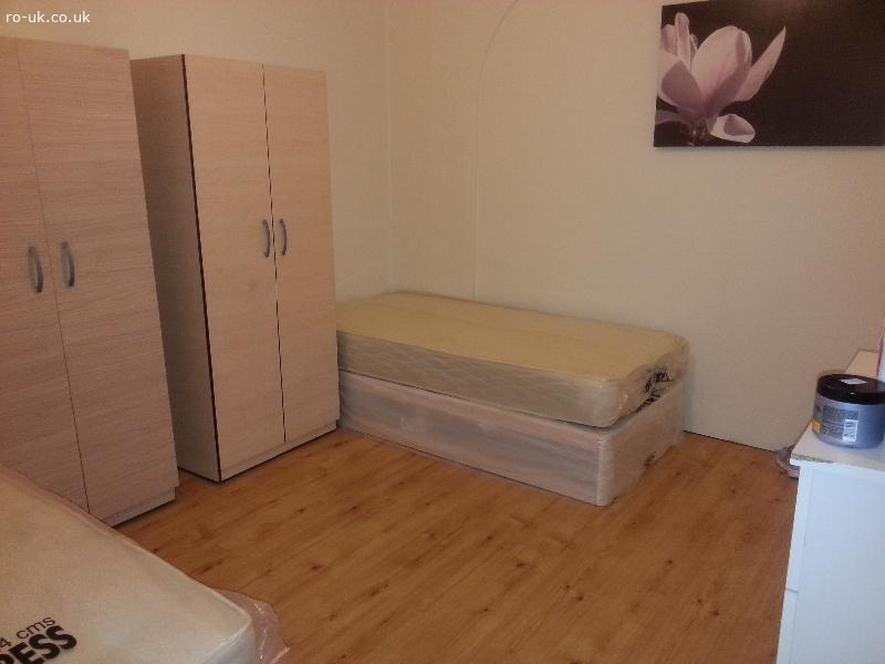 2 camere duble in Barking